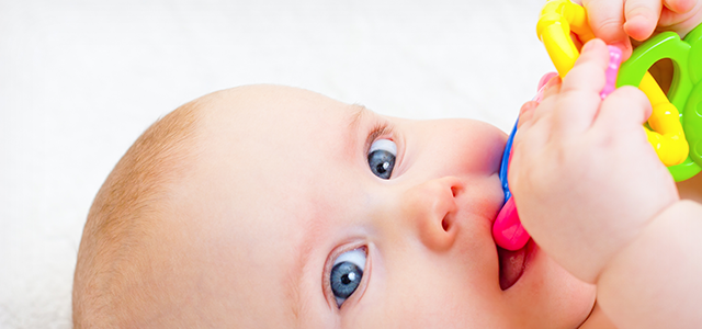 Baby Pacifiers – A Quick Look at the Pros and Cons.